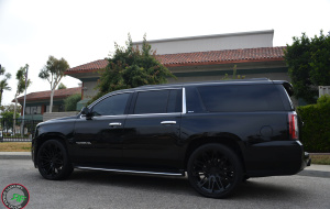 GMC Yukon on 24x10 RoadForce RF24 Gloss black finish