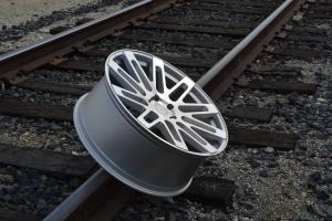 RoadForce RF24 24x10 luxury alloy wheels Silver Machine finish