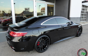 Mercedes S550 coupe on 22x9 22x10.5 RoadForce RF15 gloss black