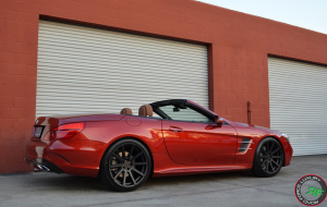 Mercedes-Benz SL550 on 20x9 & 20x10.5 on RoadForce RF10 luxury wheels
