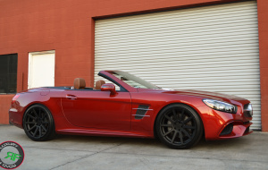 Mercedes-Benz SL550 on 20x9 & 20x10.5 RoadForce RF10 luxury wheels