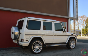Mercedes G550 on Road Force RF15 22x10.5 Silver Machine Face finish