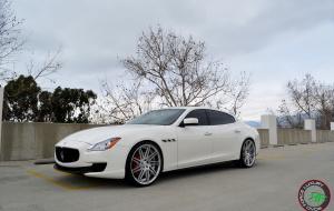 Maserati Quattroporte on 22x9 22x10.5 RoadForce RF11 Silver Brush face