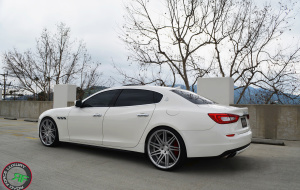 Maserati Quattroporte on 22x9 22x10.5 RoadForce RF11 Silver Brush face